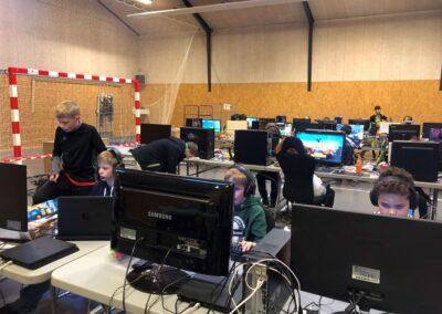 PC og Playstation - Sct. Georgsgården Børne - og Ungdomsklub Skanderborg - 07 LAN hal